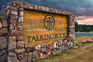 talking rock - julie and dennis jennings real estate