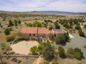 browsing for homes online- Julie and Dennis Jennings Real Estate